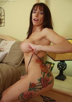 cumming on nude girl